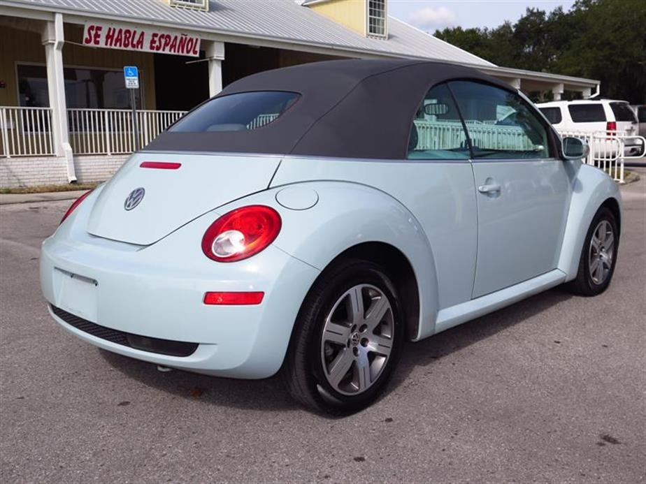 2006 volkswagen new beetle convertible in plant city fl 33567. Black Bedroom Furniture Sets. Home Design Ideas